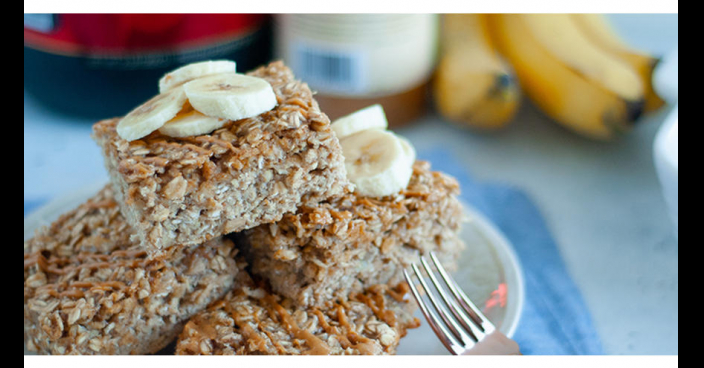 PEANUT BUTTER BANANA PROTEIN OATMEAL SQUARES